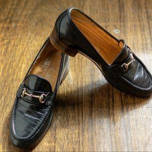 Vtg black leather Gucci loafers sz5 EU36